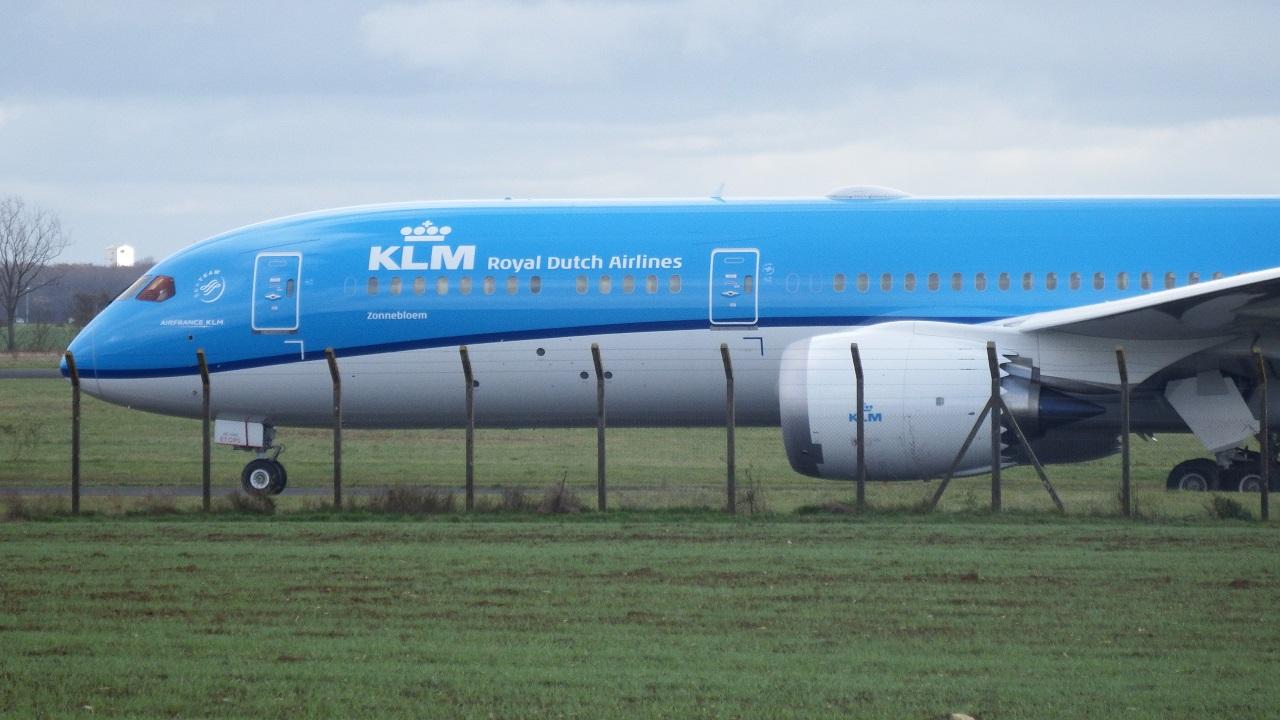 Châteauroux LFLX-CHR - 787 KLM ! (Novembre 2015) 602060KLM7874
