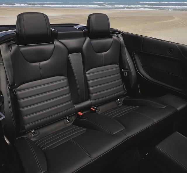 Range Rover Cabriolet, Un SUV Pour Toutes Les Saisons 602982RREVQConvertibleInterior09111505