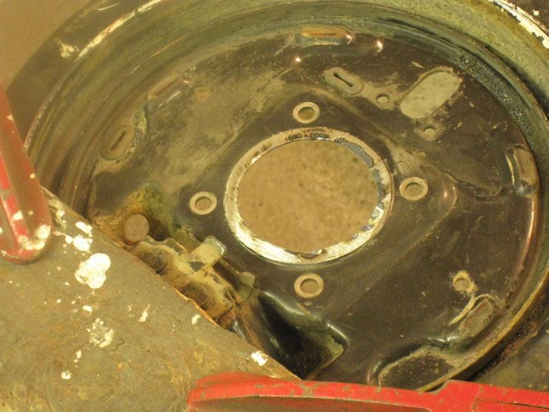 modification flasque tambours arrières pour démontage rapide des roulements 603353IMG2042