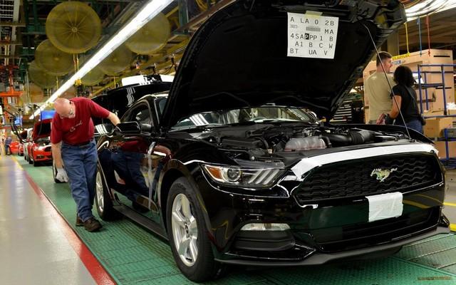 La production de la toute nouvelle Mustang 2015 débute dans l'usine de Flat Rock 604396productiondelaFordMustang20151