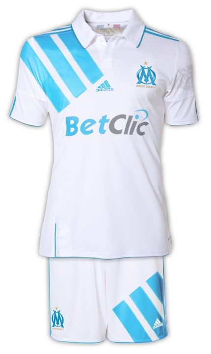 [Maillots OM] 2011-2012 - Page 11 609059386853293584673998453100000407685052944791384213030n