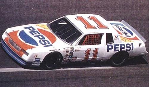 Chevy Monte-Carlo 1983 #11 Darrell Waltrip Pepsi  61047411Pepsi1983whiteref2vi