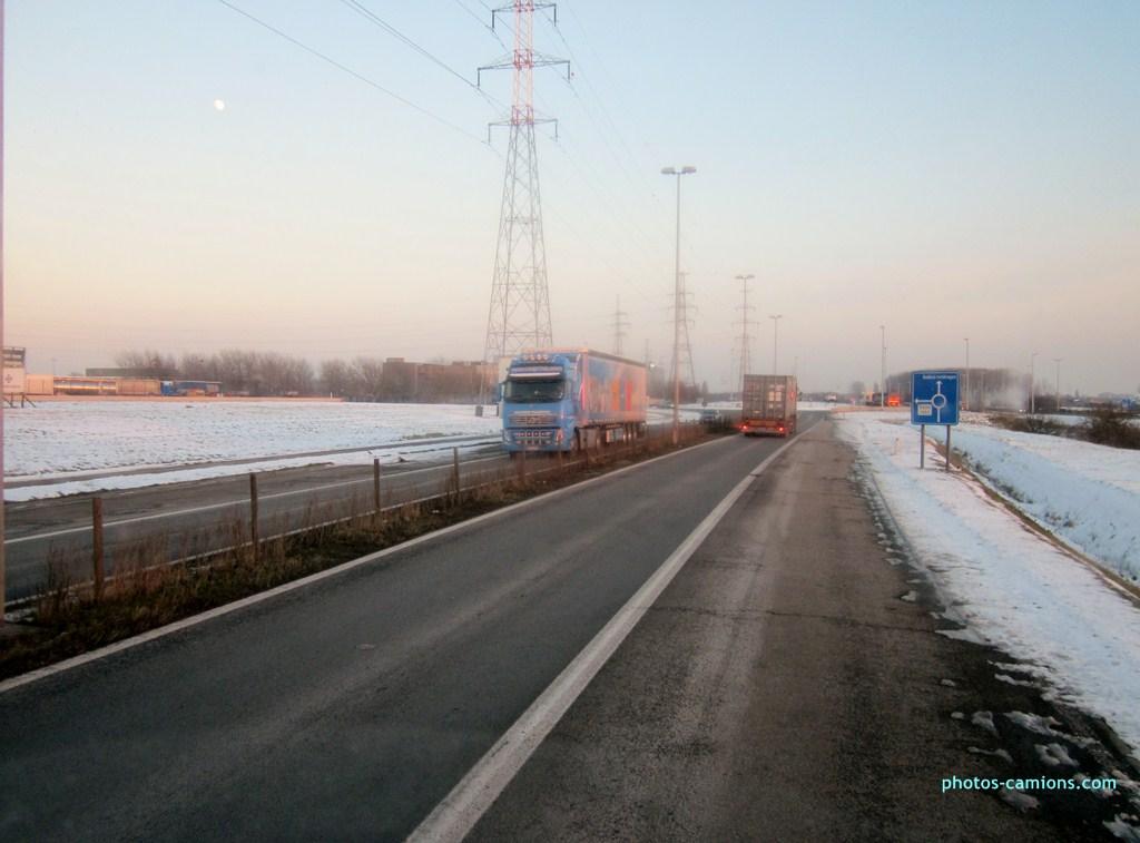 Van Moer Transport  (Zwijndrecht) - Page 3 610770photoscamions25I2013290Copier