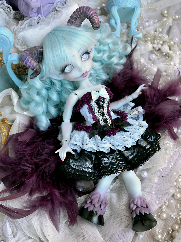 [Créa] † Mystic Dolls † : Réservations ouvertes ! - Page 11 612460NenyaFallenAngel02