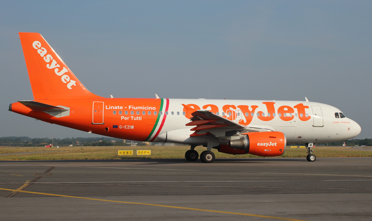 "[22/07/2013] Airbus A319 (G-EZIW) EasyJet ""Linate - Fiumicino"" c/s 616757IMG4058"
