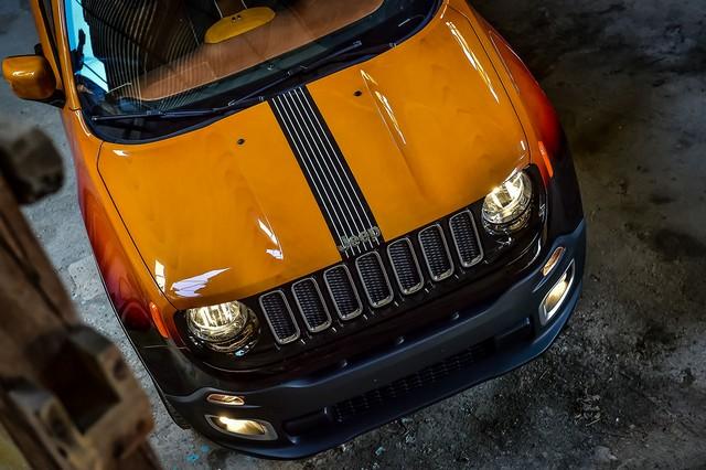 Deux Jeep Renegade exclusives pour le Montreux Jazz Festival 616849150707JeepMontreuxconsegna03