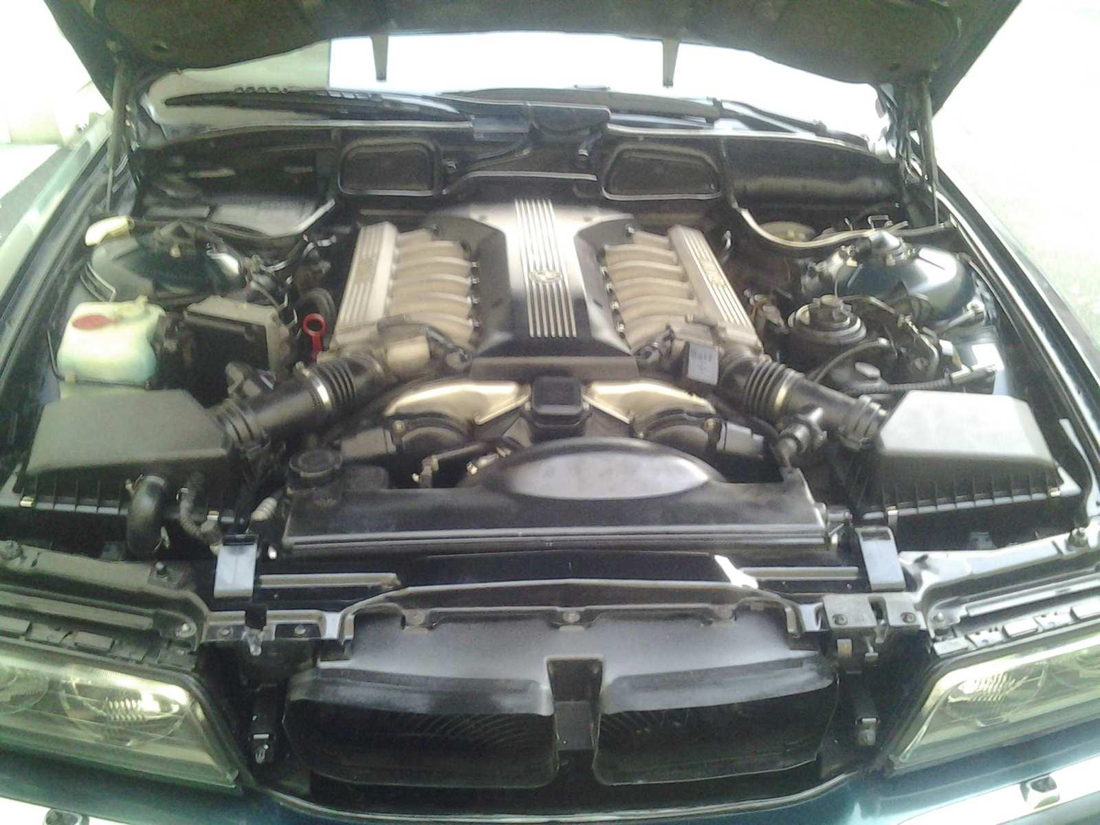 Photos du moteur V12 de la belle nettoyé 63503820130410074326