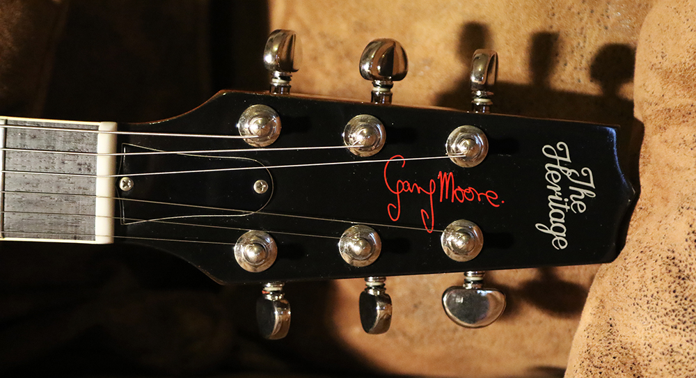The return of the Canapé............ Pour Gary Moore. 63517311a