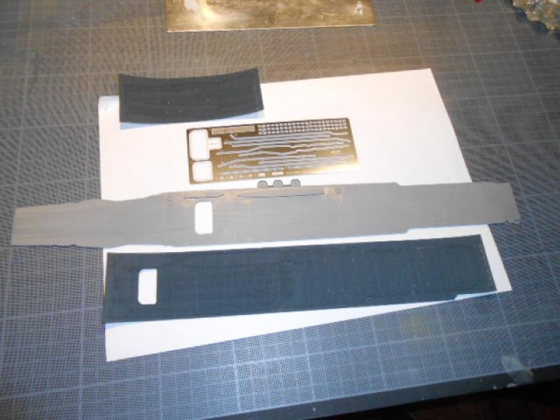 Saratoga tamiya 1/700 PE+Pont en bois par lionel45 - Page 11 635551sear001
