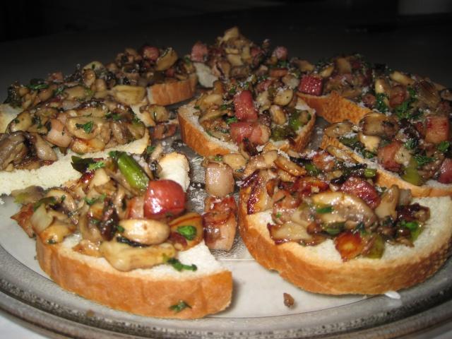 Bruschetta de champignons et pancetta 6383584mars2013002