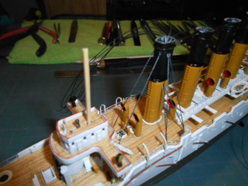 """Croiseur  Russe """"VARYAG"""" Zvezda 1/350 pont en bois / PE  - Page 2 638460mer018"""
