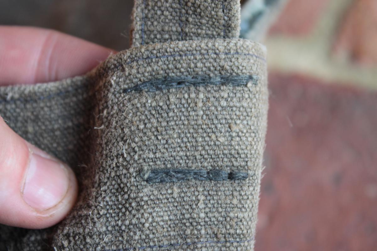 1 musette et une petite sacoche en cuir à identifier 639686scIMG3325