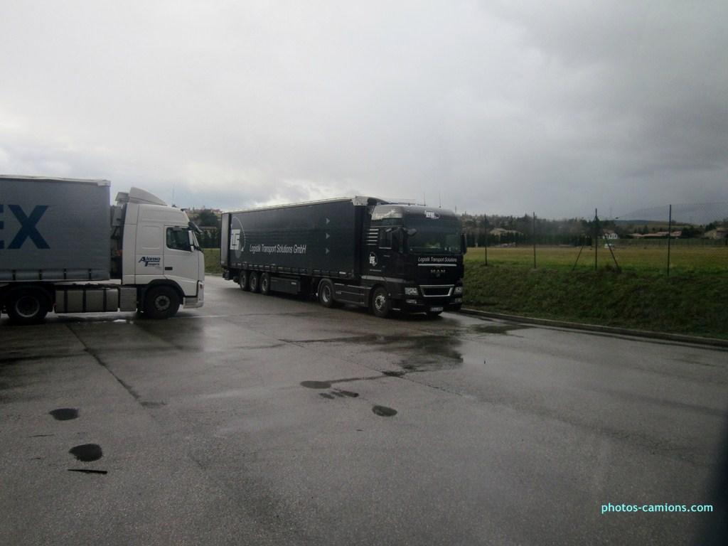 LTS Logistik Transport Solutions.(Stuttgart-Flughafen) 640478photoscamions8II201371Copier