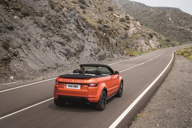Range Rover Cabriolet, Un SUV Pour Toutes Les Saisons 641701RREVQConvertibleDriving09111508