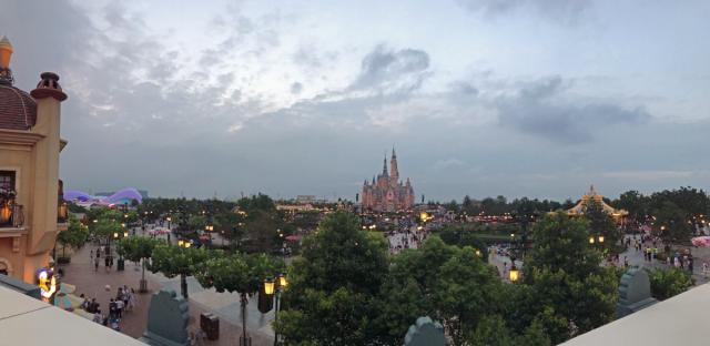 Shanghai Disneyland (2016) - Le Parc en général - Page 39 642869W768