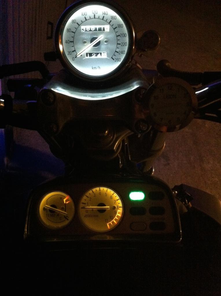 Ampoules compteur 645312IMG2008