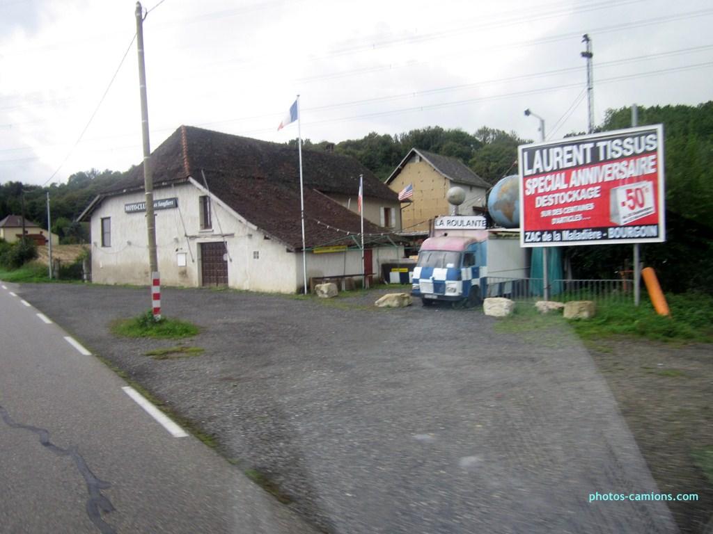 Les camions magasins (Pizza, marchés, etc etc) 648567photoscamions10X201244Copier