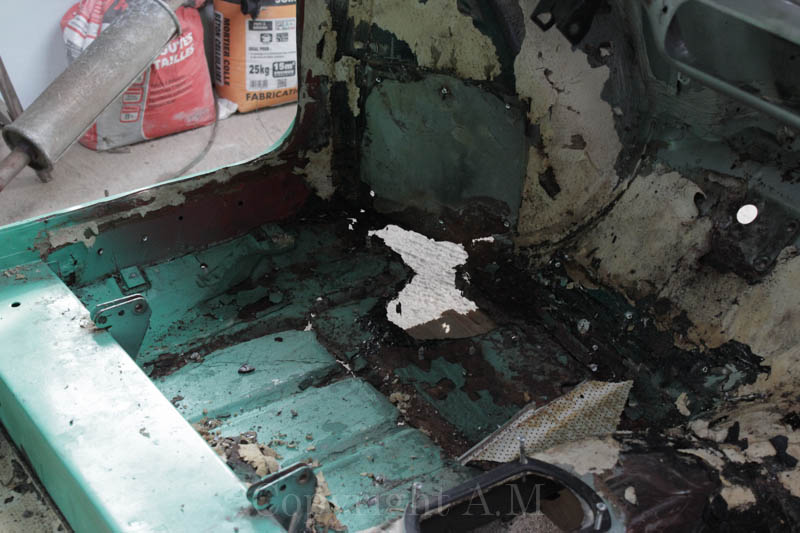 Restauration d'une Austin de 1980 657801IMG3305