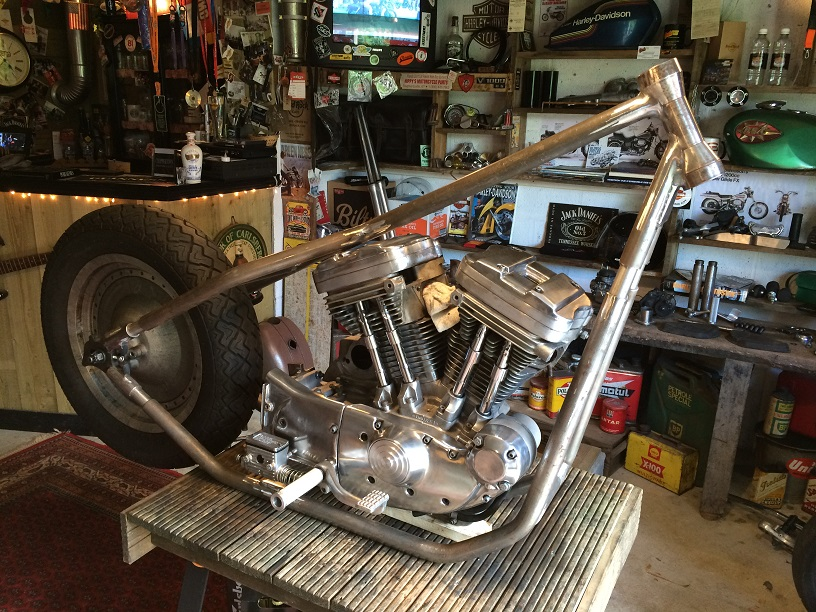 PROJET RIGIDE SUR BASE SPORTSTER BOITE 4 - Page 6 659602IMG4933