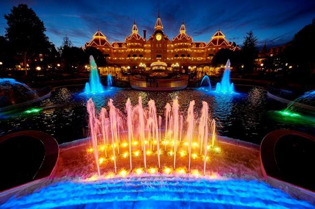 Disneyland Hotel - Page 40 66912326055847101562799672528711975330089492297489n