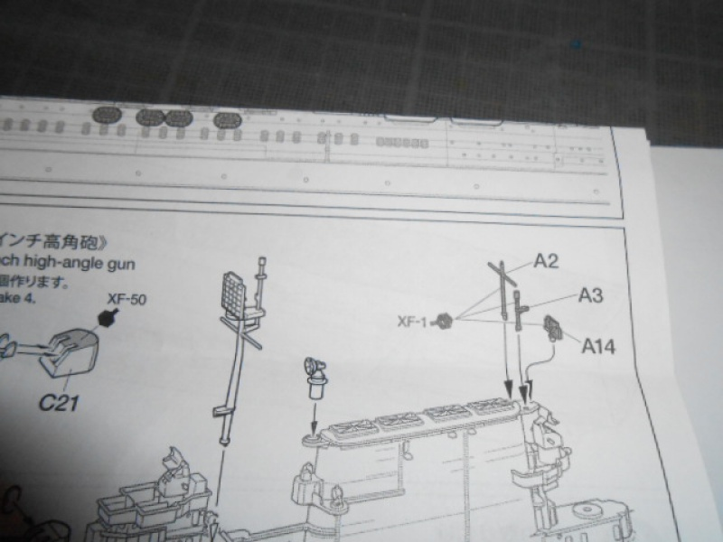 Saratoga tamiya 1/700 PE+Pont en bois par lionel45 - Page 7 670986013