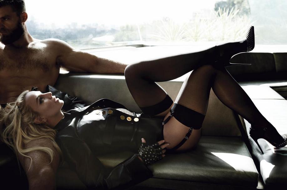 Britney Spears  - Σελίδα 3 671552Capturede769cran20160302a768150327