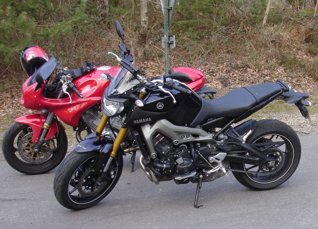 Photos de toutes les Yamaha MT-09 du forum ! :) 675962Ythekiou