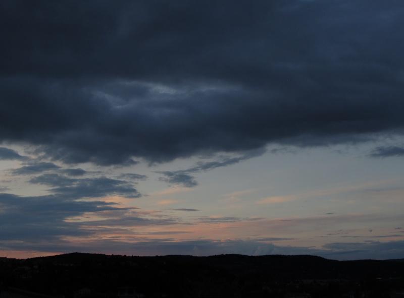 FIL ROUGE : Le ciel et les nuages  - Page 3 676032008