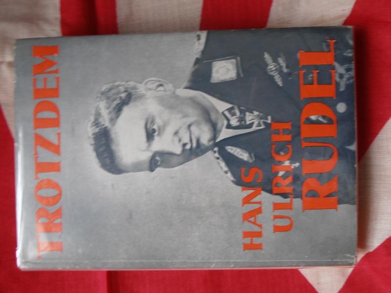 Livre Hans  Ulrich  Rudel avec signature  679958P1170043