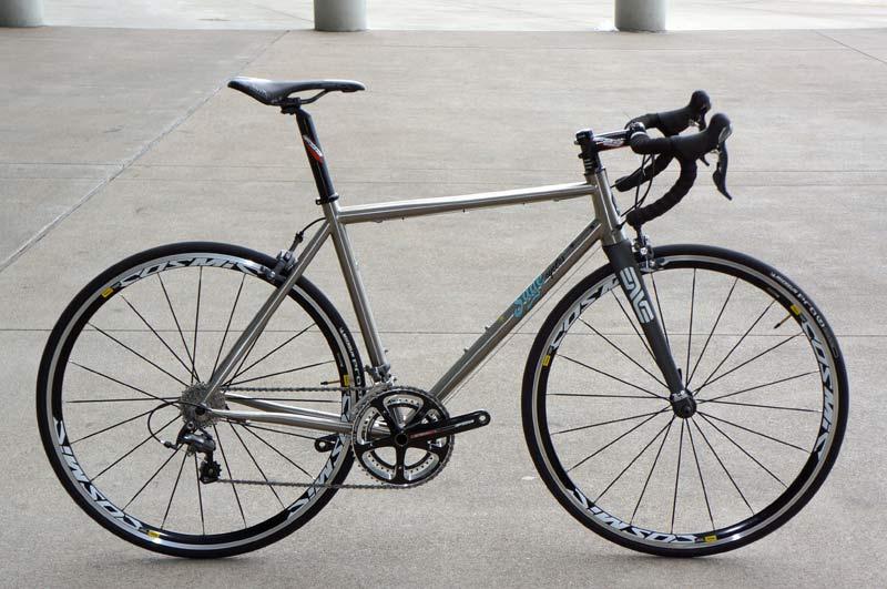 sage cycles  680438SageCyclesskylinetitaniumroadbike01