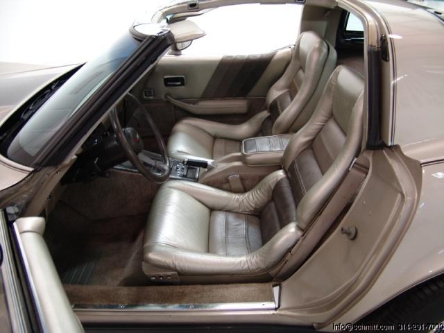chevrolet corvette 1982 edition collector monogram au 1/8 68320440489529