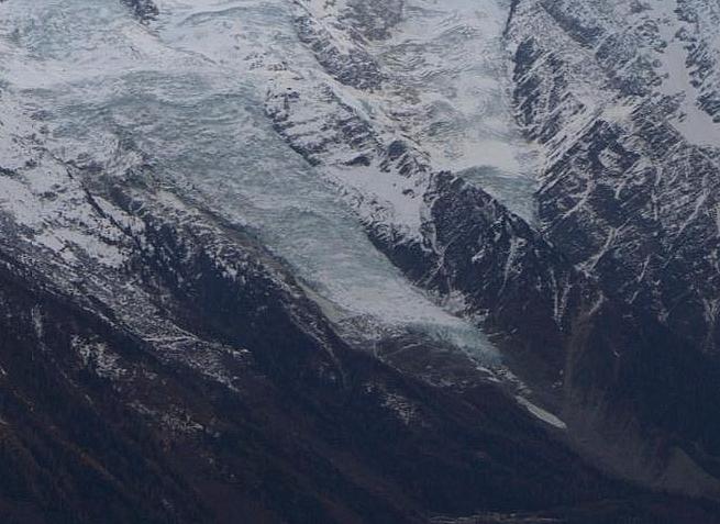 Le glacier des Bossons - Page 12 688212GlacierdesBossonszoom29dc2015