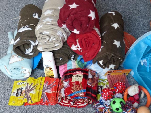 Nourriture, médicaments, jouets, couvertures et divers... 689086P1000632