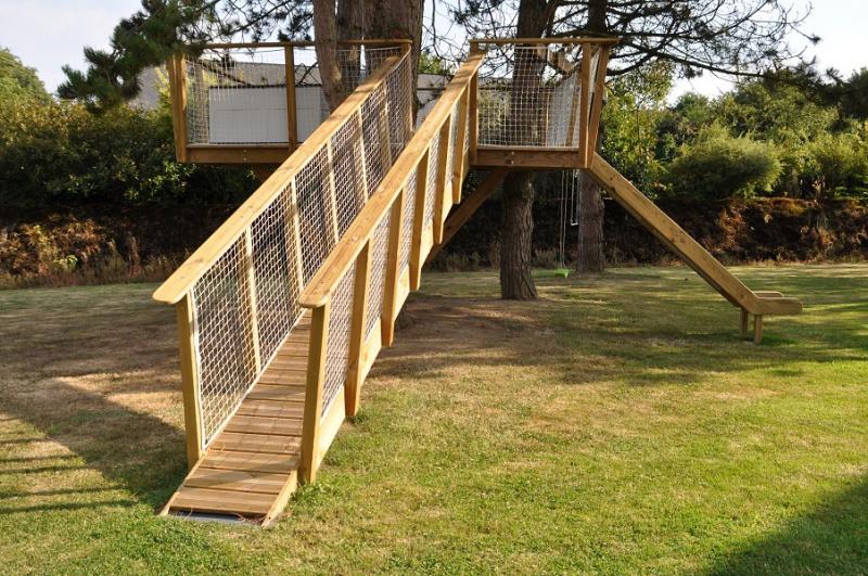 Projet de toboggant pour la cabane dans les arbres de mon fils, vos idées? - Page 3 689840Cabane29