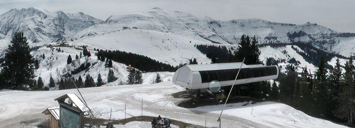 Observations neige dans le massif et la vallée - Page 7 691700Montdarbois21avril2016