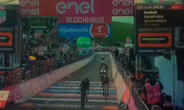 """Un """"blockhaus"""" sur le Giro. 692056tl1f"""