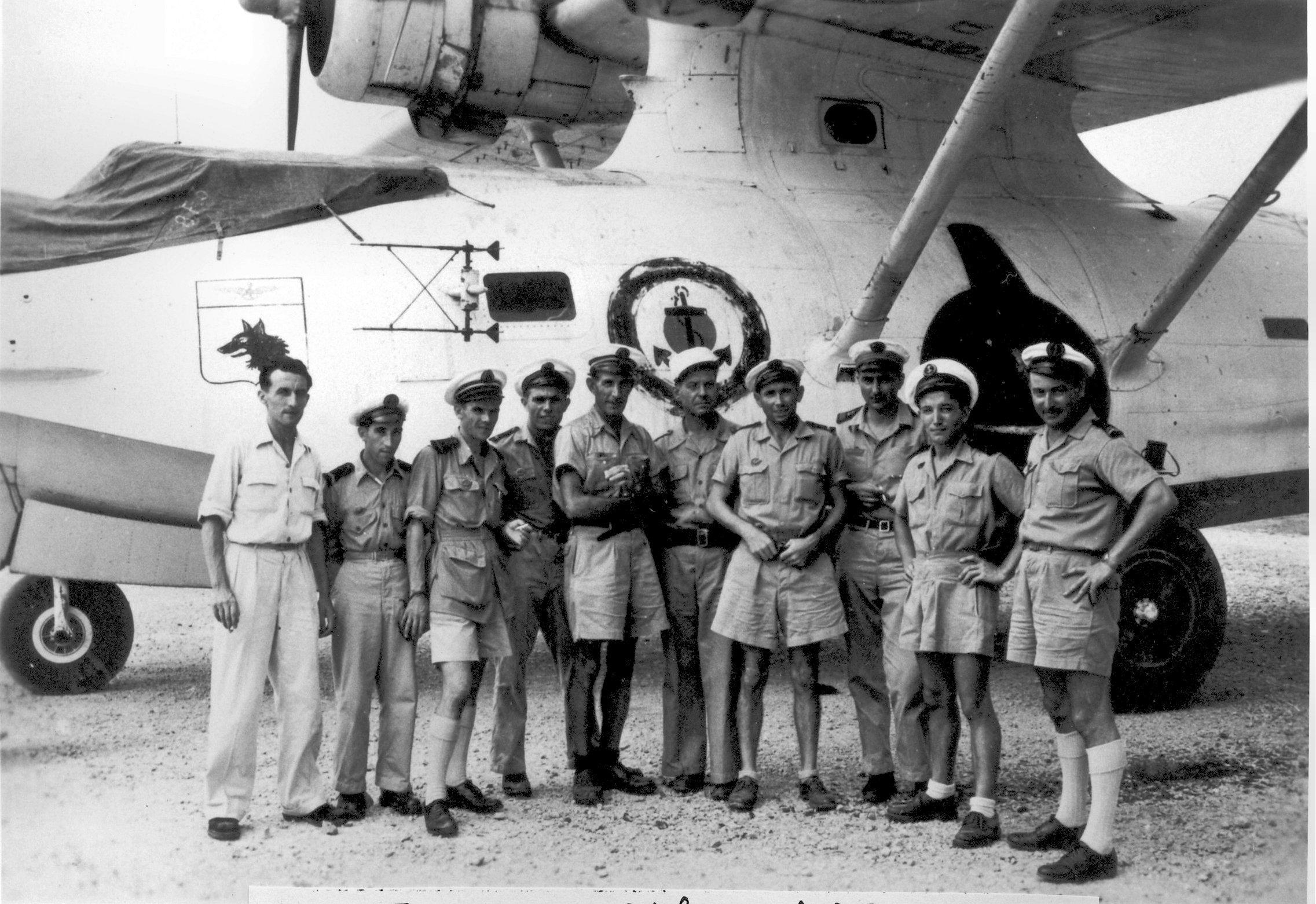 [ Aéronavale divers ] [ 1945-1950 L'histoire des grands oiseaux blancs à tête de loup noir en Indochine 6935341948EquipagedeCatalina