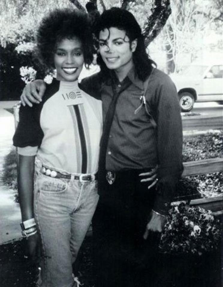 RIP Whitney Houston - Page 2 693918tumblrlz9d35Fvqc1r71o67o11280