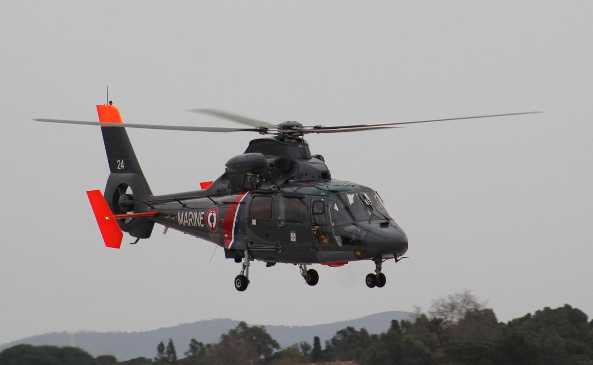 [ Aéronavale divers ] Hélicoptère DAUPHIN - Page 4 695987IMG1436
