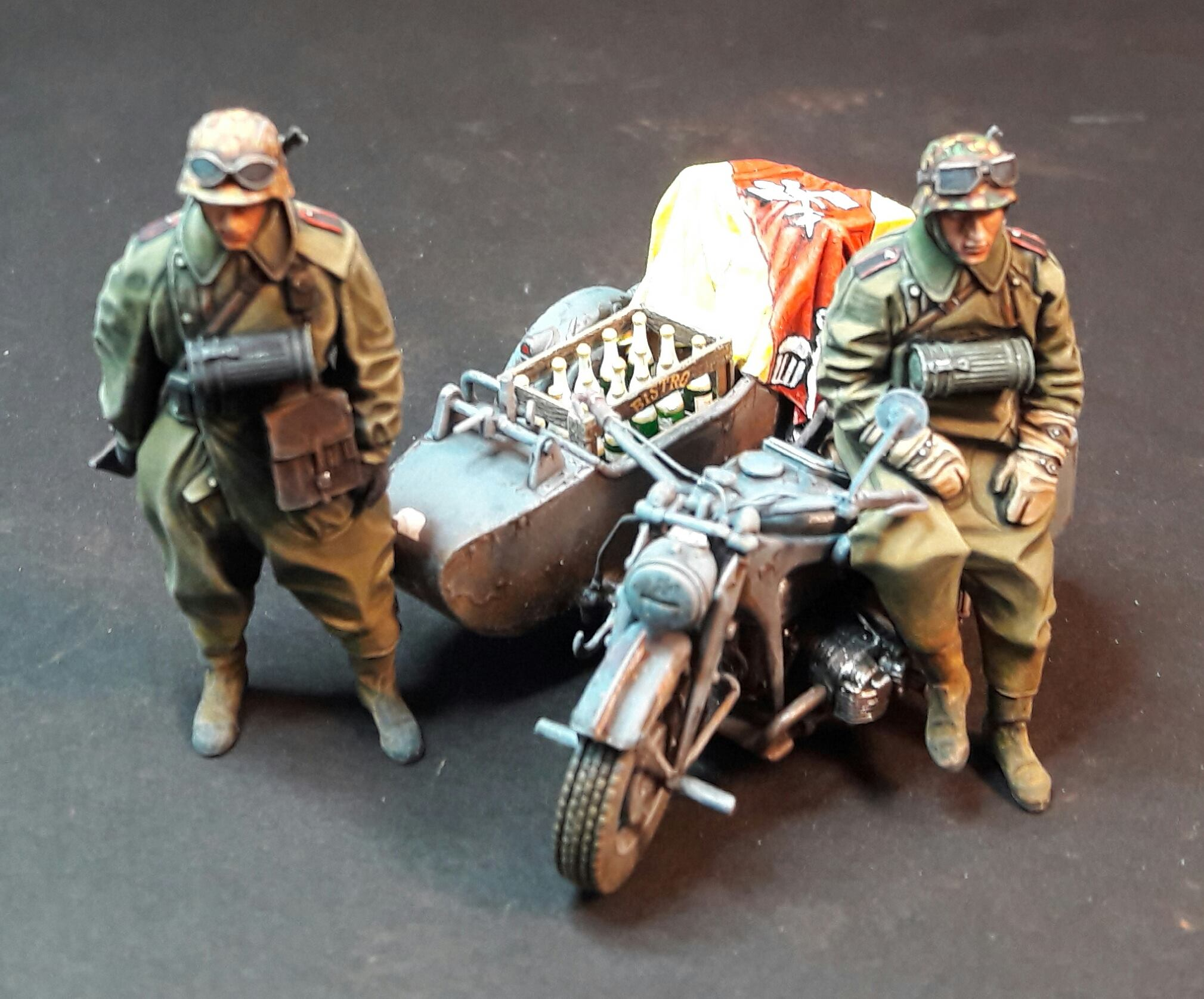 Zündapp KS750 - Sidecar - Great Wall Hobby + figurines Alpine - 1/35 - Page 5 69672319911803102117868058001422136970565o