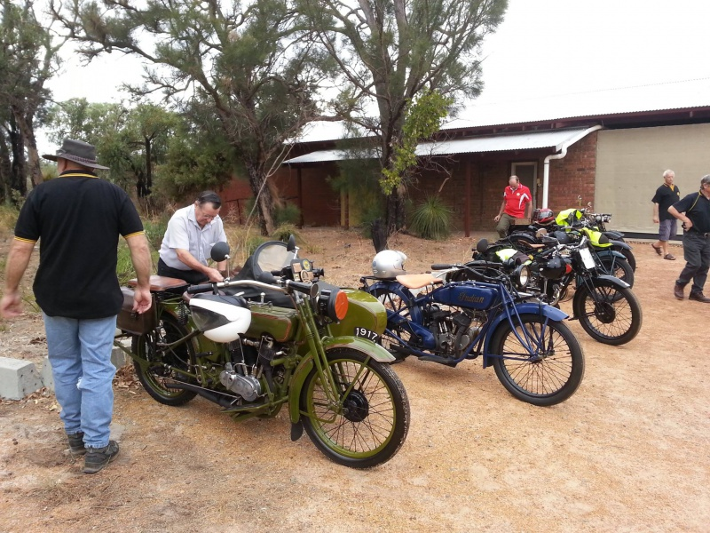 Les vieilles Harley....(ante 84) par Forum Passion-Harley - Page 22 699425RallyesideancienneHd