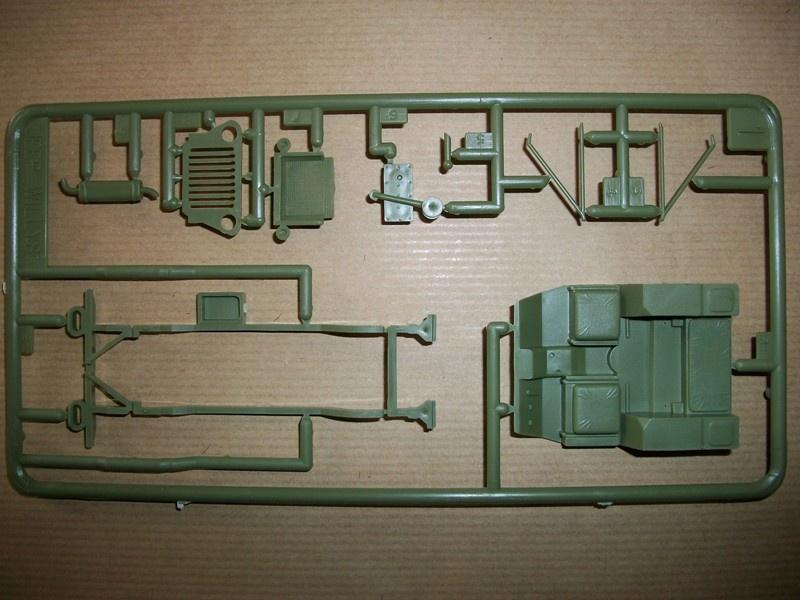 jeep indochine - Jeep Willys +Trailer Heller 1/35 699849JeepHeller135013
