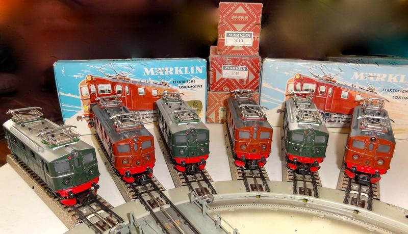 Les machines D/Da/Dm/Dm3 (base 1C1) des chemins de fer suèdois (SJ) 701057MarklinDaavecponttournant