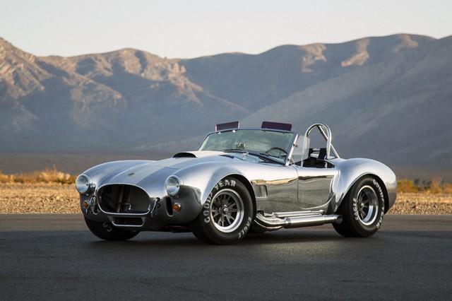 Shelby Cobra 427 : Édition spéciale pour le 50ème anniversaire 701356News123014a