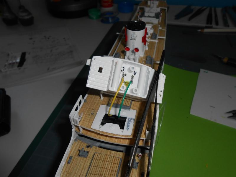 Hikawa Maru hopital 1/350 PE/pont en bois et babioles  - Page 6 702834DSCN5907