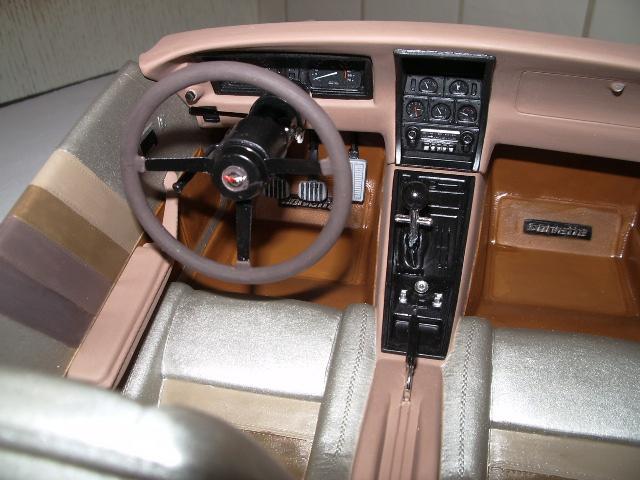 chevrolet corvette 1982 edition collector monogram au 1/8 704791photoscorvettepeintinetrieur025