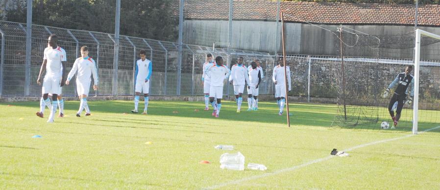 OLYMPIQUE DE MARSEILLE  :LE 11 NOVEMBRE 2012  LES U19 NATIONAUX OM ET LA  RESERVE OM .. UNE JOURNEE CORSE BIEN REUSSIE !!! - Page 2 706567DSC0095