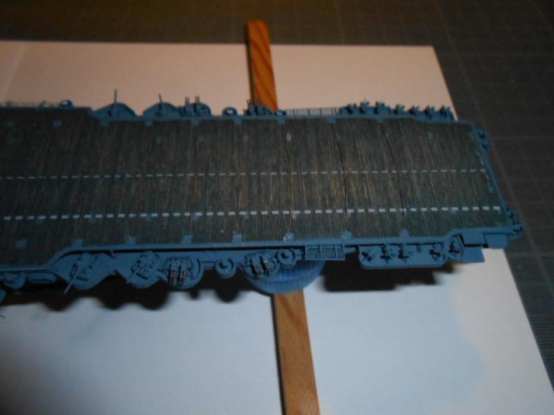 Saratoga tamiya 1/700 PE+Pont en bois par lionel45 - Page 13 709329posar008