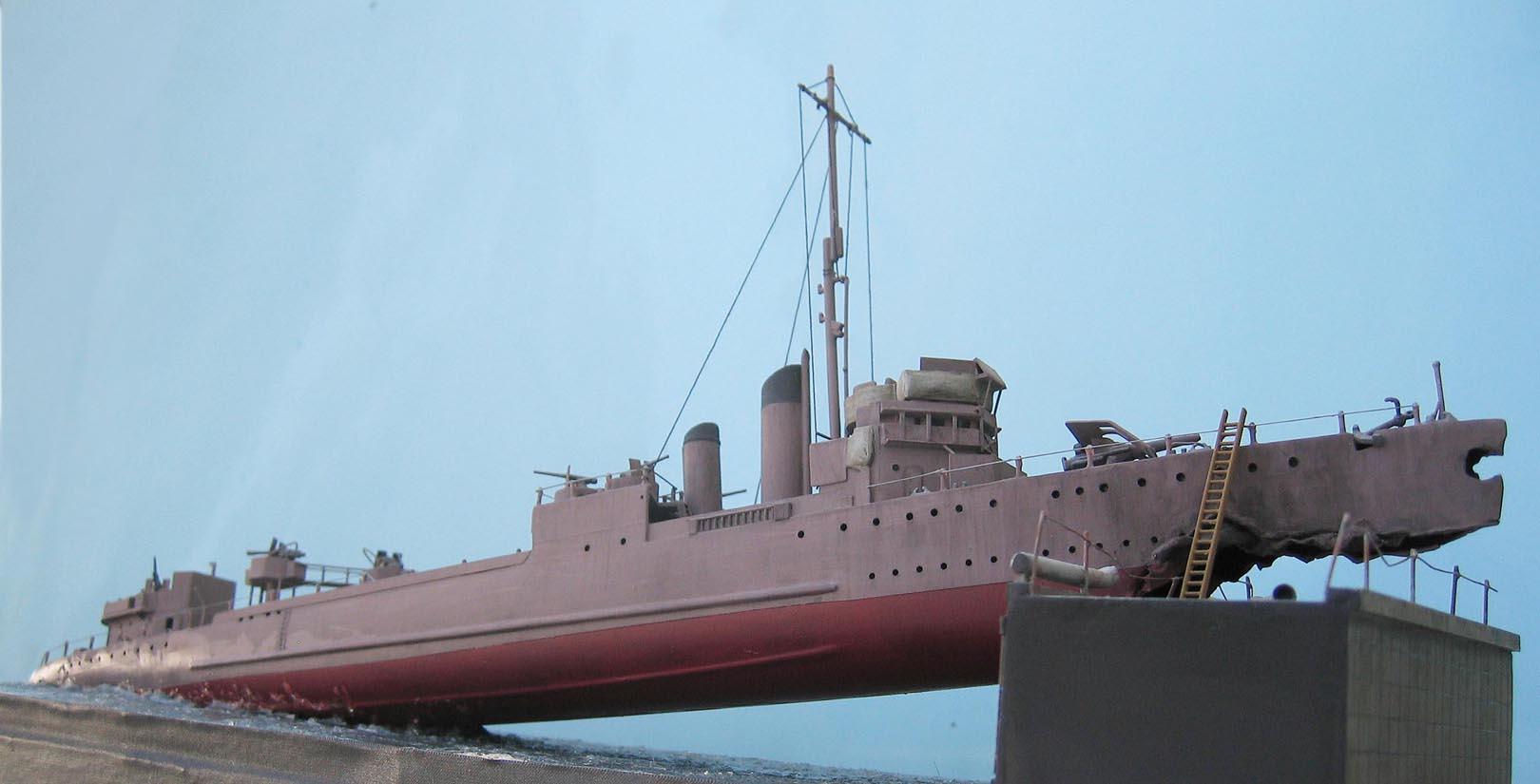 [Revell] Destroyer HMS Campbeltown - 1/240. 709393Campbel58