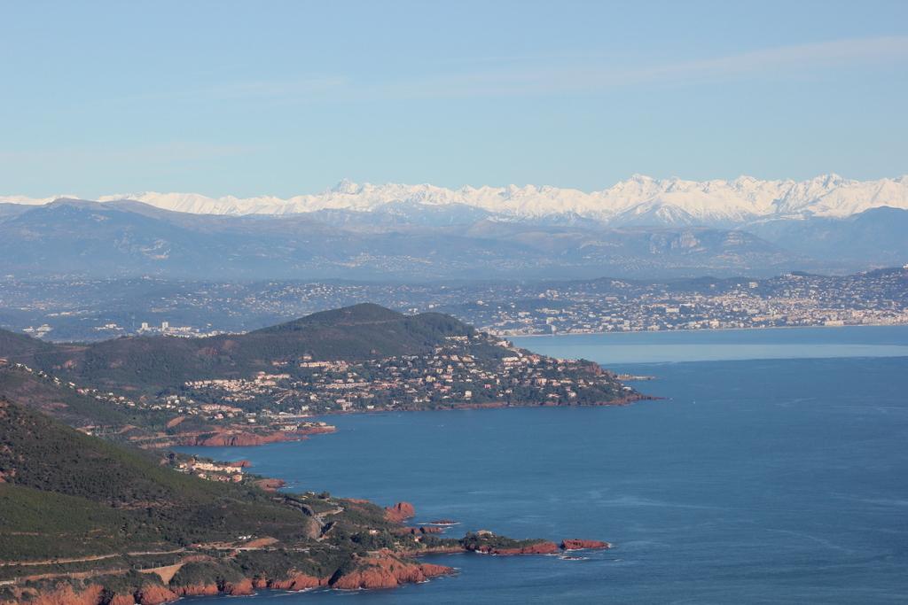 VOL en Robinson R44 autour de LFMD Cannes-Mandelieu 713380IMG7190